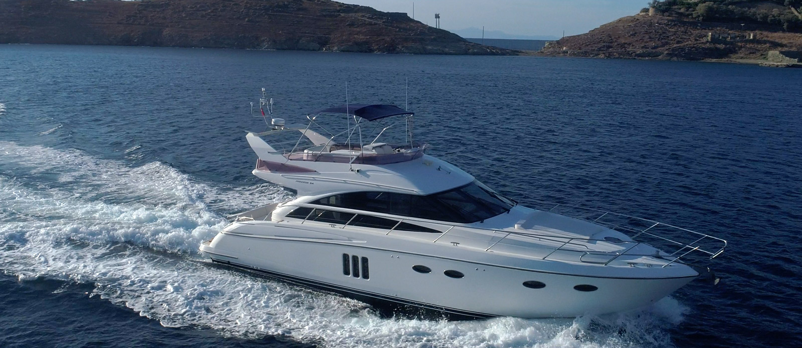 Princess-P54-Fly-Bridge-Motor-Yacht-Lavimar-Running-Shot-Side-Profile