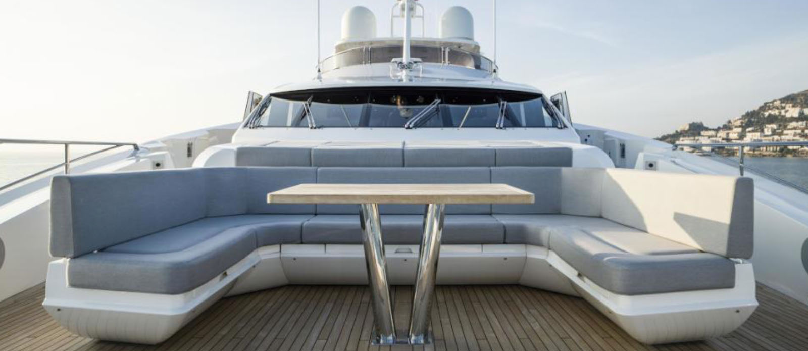 Berco-Voyager-Sunseeker-Bow-Seating