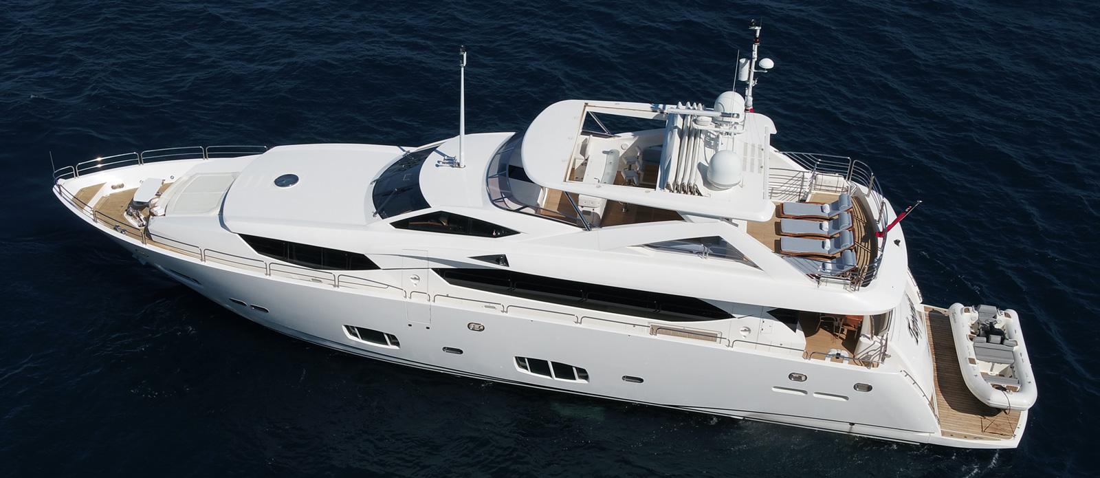 Sunseeker-30-Metre-Yacht-Tuppence---Overhead