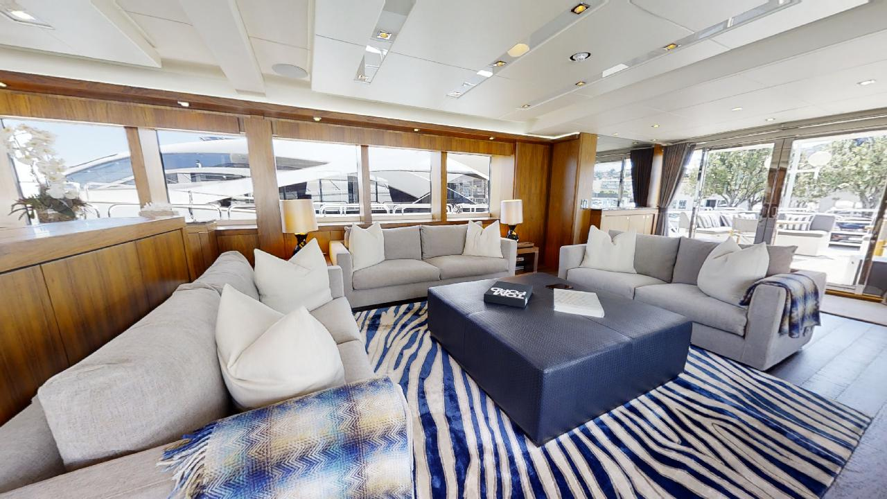 Sunseeker-115-Sport-Yacht-Zulu-Refit-Saloon-Seating