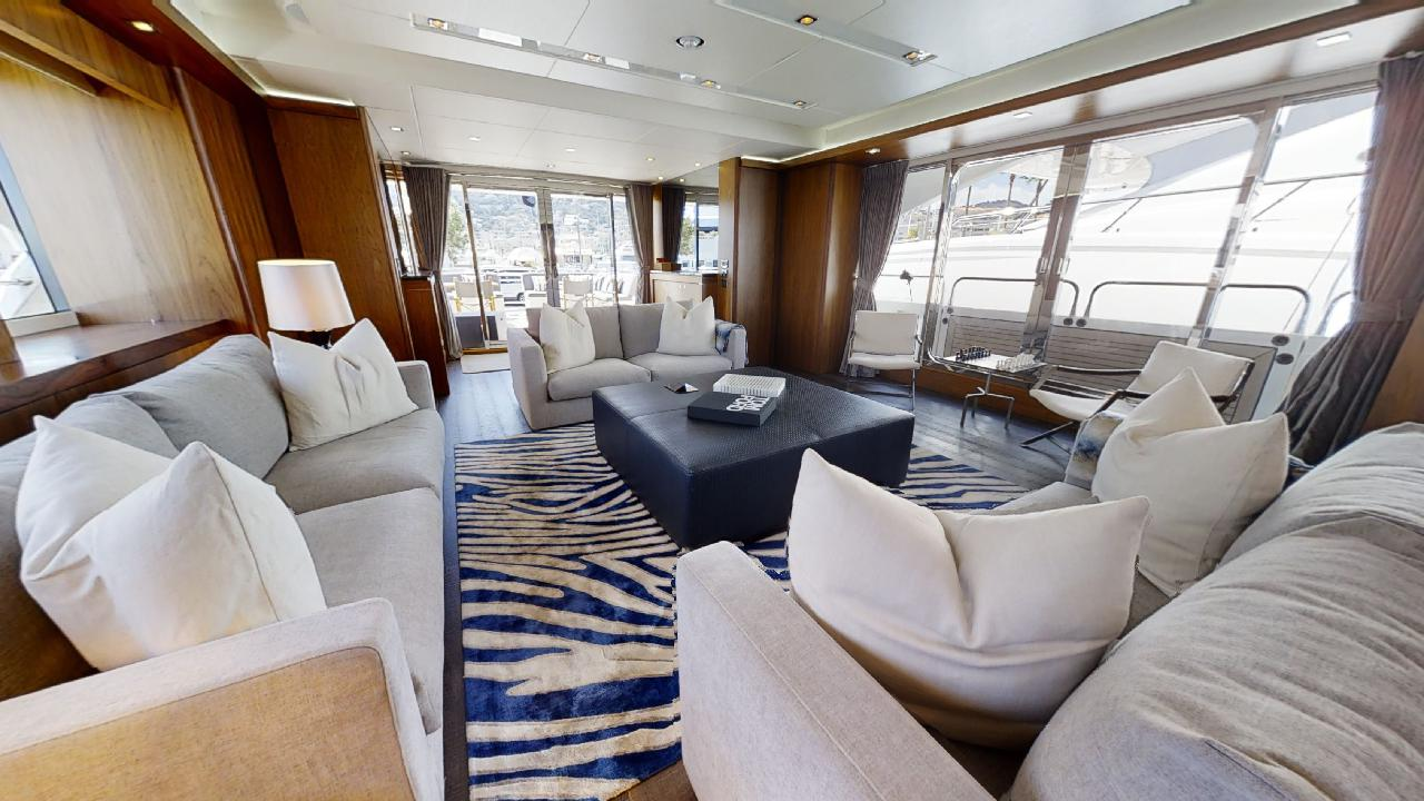 Sunseeker-115-Sport-Yacht-Zulu-Refit-Saloon-Seating-2