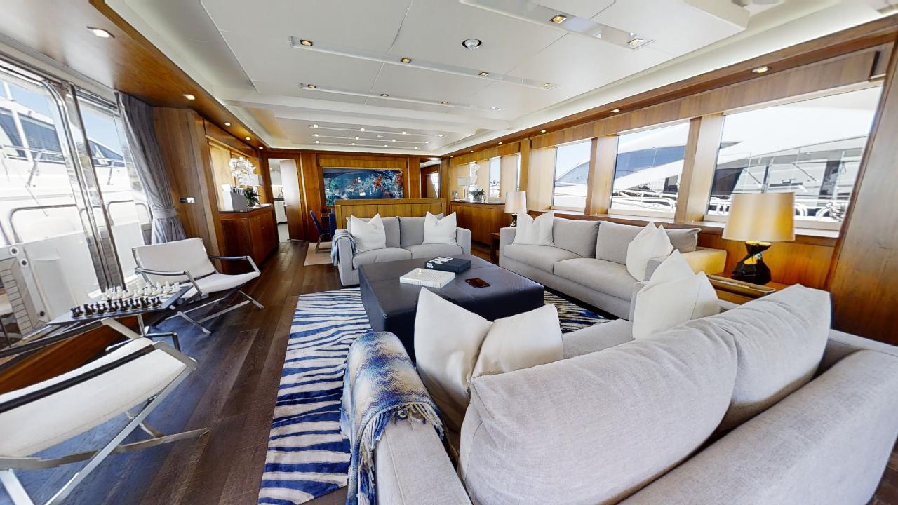 Sunseeker-115-Sport-Yacht-Zulu-Refit-Saloon-Seating-3