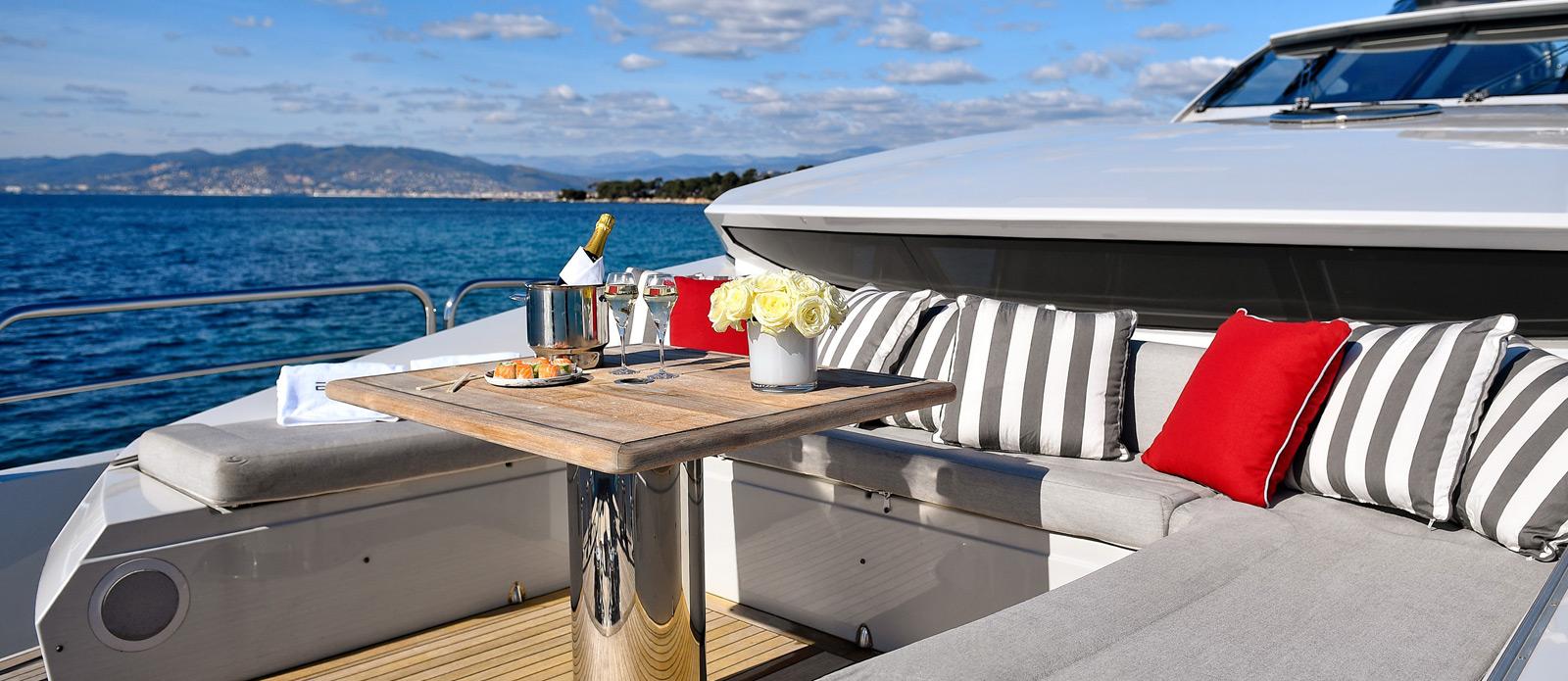 Sunseeker-34-Metre-Yacht---Emoji---Bow-Seating-3