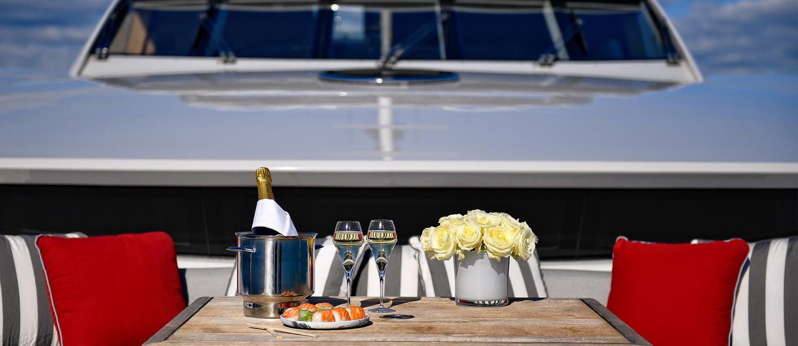 Sunseeker-34-Metre-Yacht---Emoji---Bow-Seating