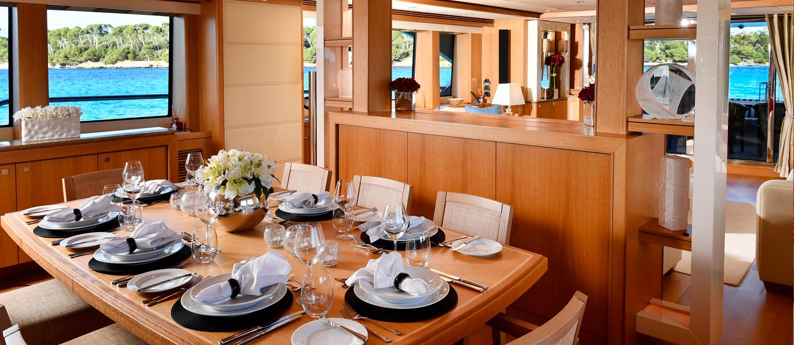 Sunseeker-34-Metre-Yacht---Emoji---Saloon-Dining