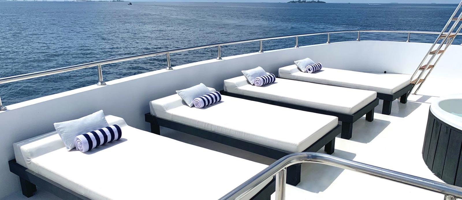 Safira-Luxury-Yacht-For-Sale-Interior-14