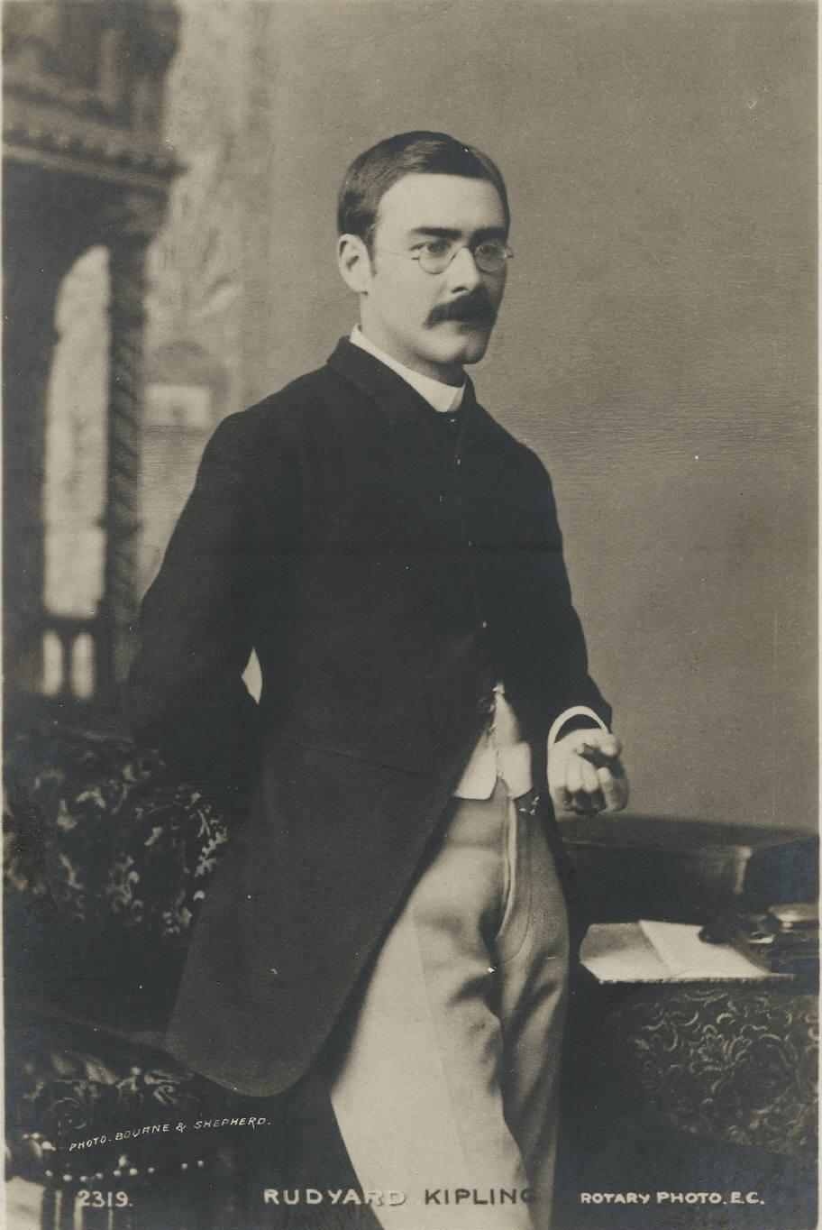 https://i1.wp.com/britainandothers.pbworks.com/f/1302054688/Rudyard_Kipling_three_quarter_length_portrait.jpg