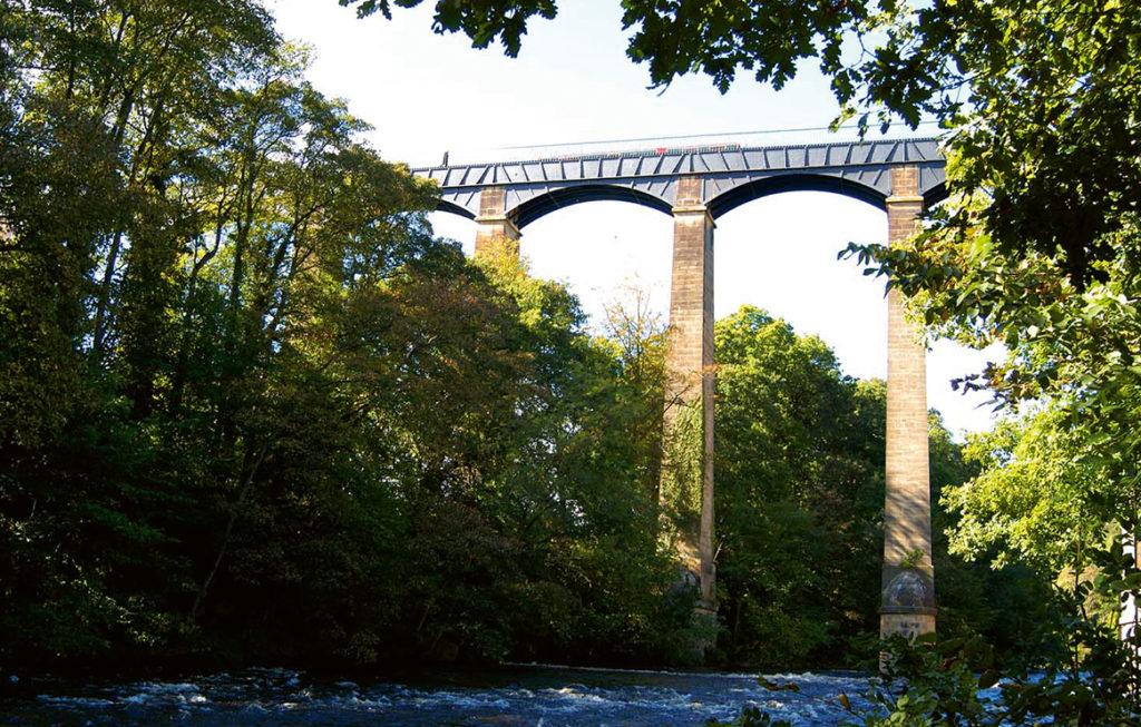 10-pontcysyllte-aqueduct wales