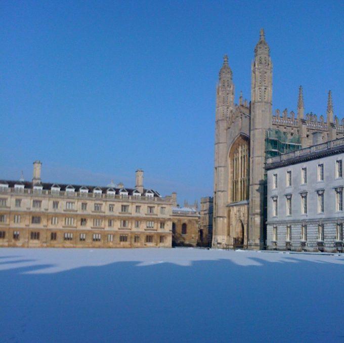 Cambridge King's College snow