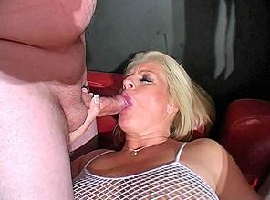 Filthy milf Robyn Ryder showered with spunk