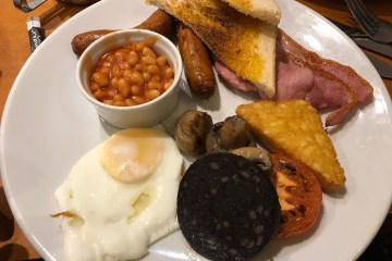 Red Lion Full English Breakfast - Hopwas