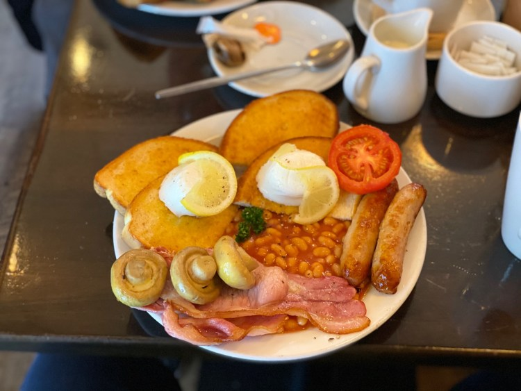 Grand Central Kitchen - Full English with lemon