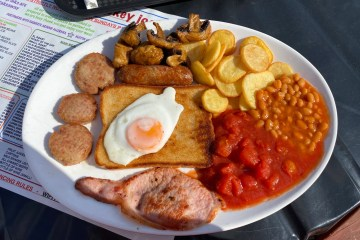Smokey Joes - Cornwall - Large Full English Breakfast