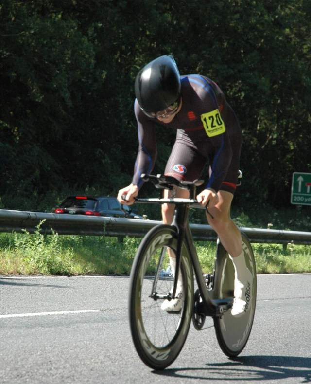 James Boyman (Farnham RC) on his way to victory in the Hounslow and District Wheelers Open 25 Mile Time Trial