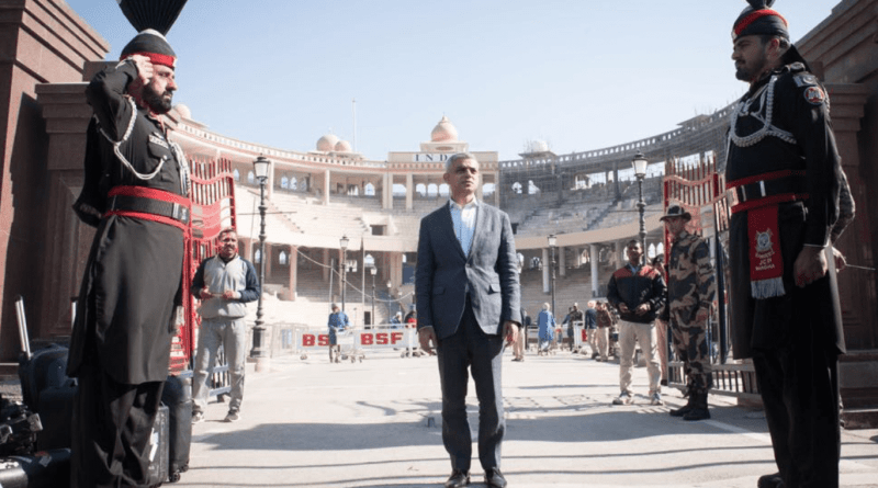 SADIQ KHAN CROSSES WAGAH BORDER FROM INDIA TO PAKISTAN BY FOOT