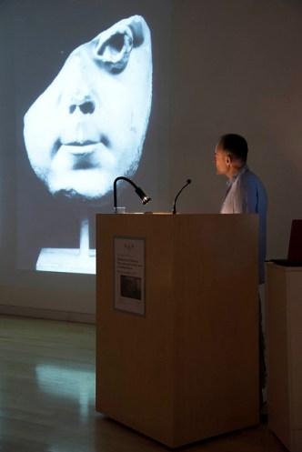 Robert Coates-Stephens lecturing. Photo by Antonio Palmieri.