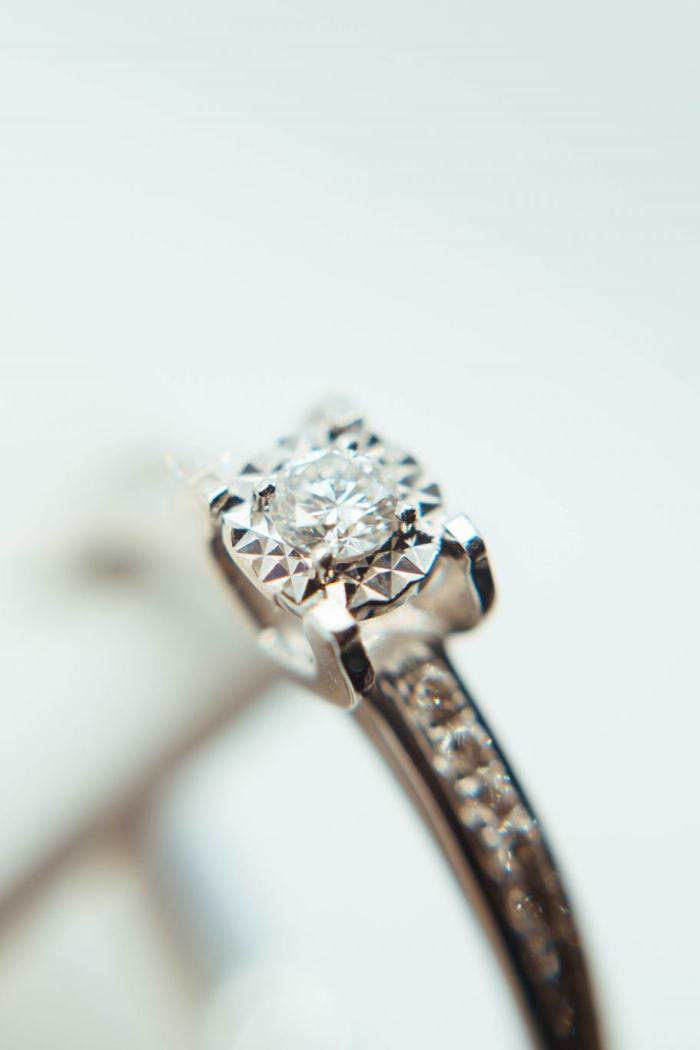 Popping The Question? – Key Terms To Understand When Buying An Engagement Ring