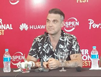 Robbie Williams, alegre y divertido en Paraguay