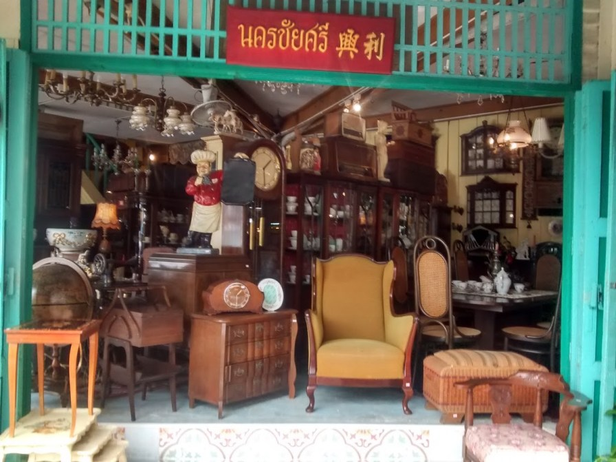 An antique shop in Nakhon Chaisi