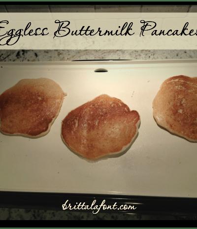 31 Days to #ASimplerJoy: Eggless Buttermilk Pancakes