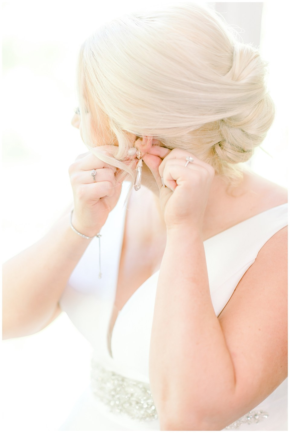 bridal hair and earrings details