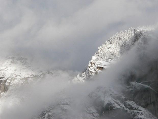 snow in yosemite