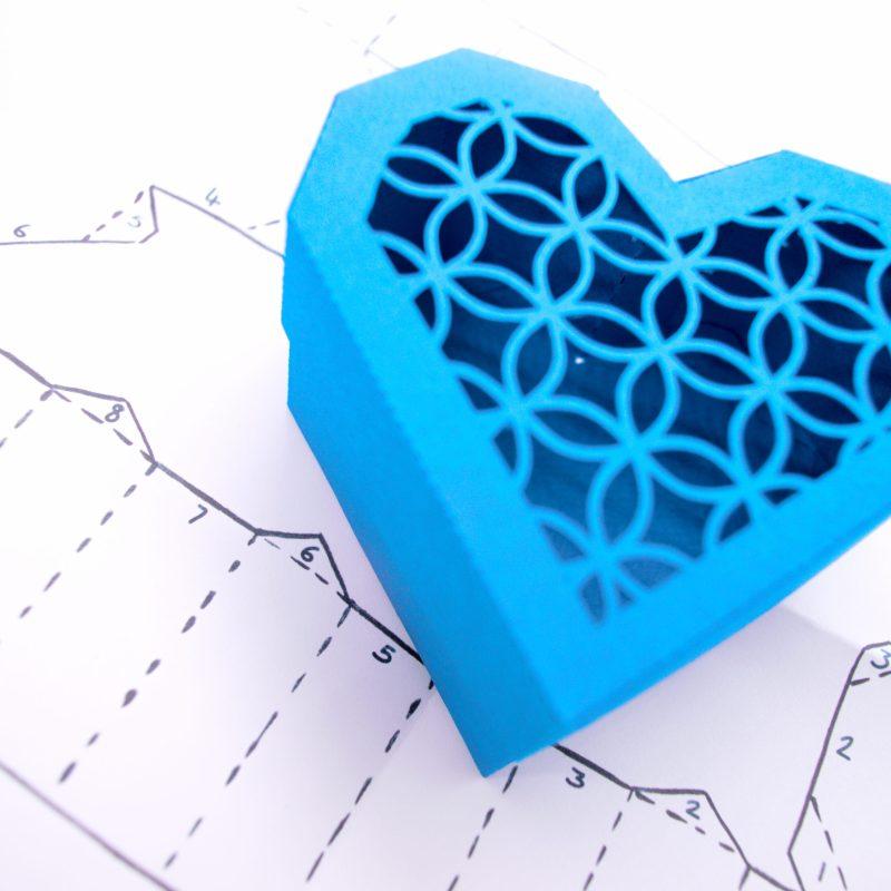 Heart Gift Box, blue lattice design