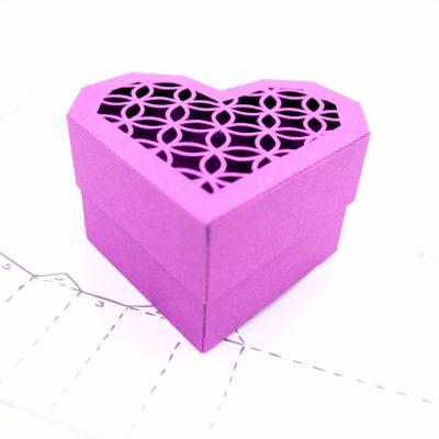Heart Gift Box, violet lattice design