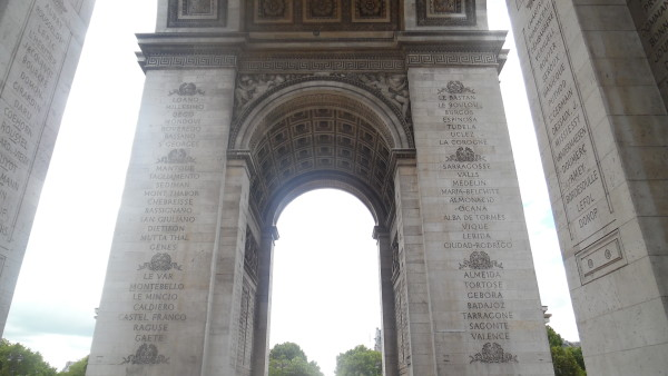 Paris 8 The Arc