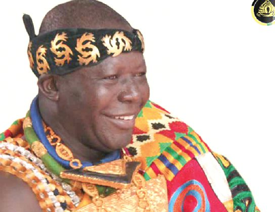 Breakingnews…Otumfour Osei Tutu II Pays 7.5billion To Kumasi Asante Kotoko As Signing-On Fee
