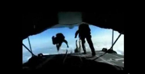 parachutists500