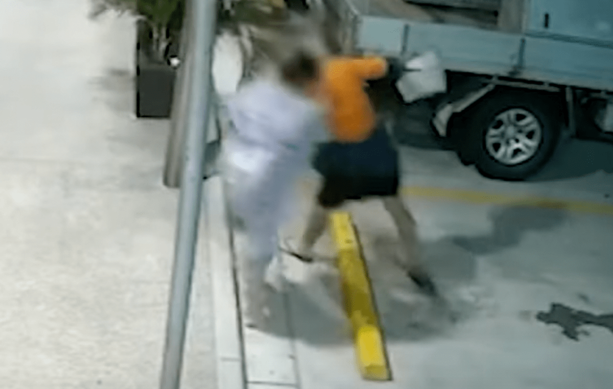 Australian Grandma Absolutely Lays Out A Thief After Having Her Purse Snatched