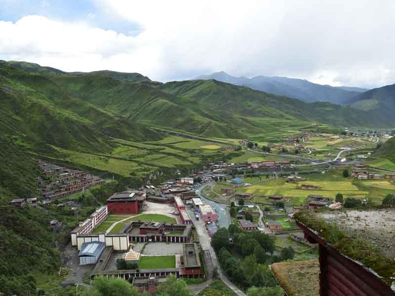Dzongsar valley