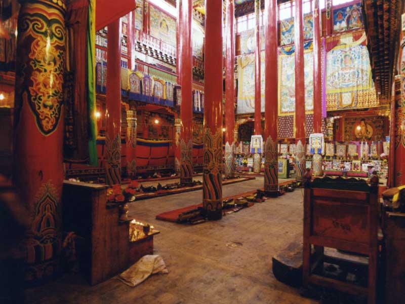Lhagang-main-hall