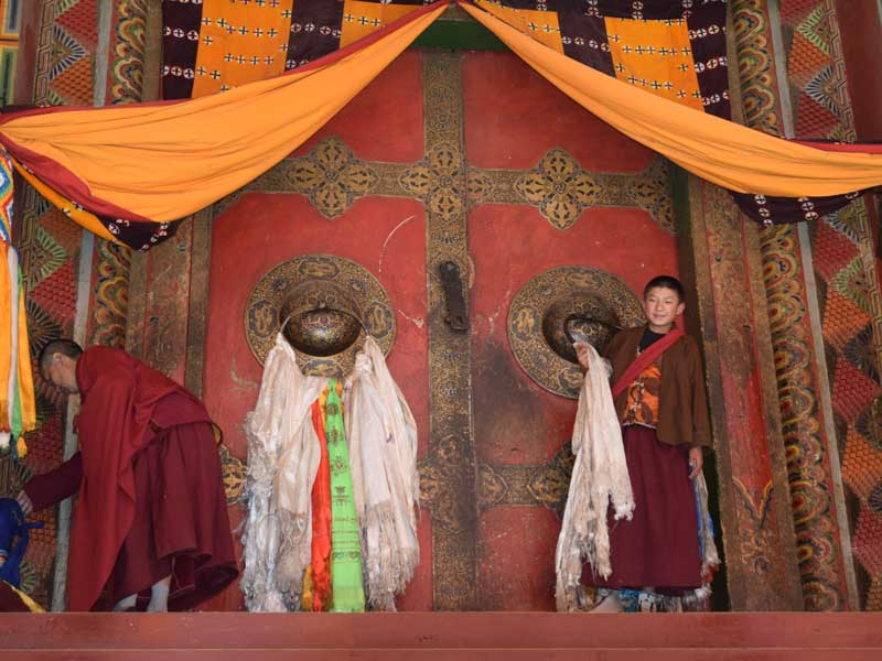 Palpung-young-monks