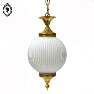 Chic lustre plafonnier boule rond en verre blanc doré vintage ⋆ Brocante Chic
