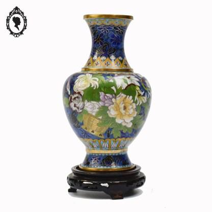 Objet de collection, émaux, émaux cloisonnés, émail cloisonné, objet asiatique, accessoire asiatique, objet de collection, asiatique, objet de décoration, objet de vitrine, objet de vitrine asiatique, vase, vase ancien, vase émail, vase coloré, vase vintage, vase asiatique, vase collection, vase coloré, cadeau, idée cadeau, idée cadeau chic, idée cadeau maman, idée cadeau élégant, idée cadeau original, idée cadeau collection, objet rouge, décoration fleuri, vase fleuri, laiton, pot vintage, cadeau des grands-mères, idée grand-mère, idée cadeau grand-mère, objet de vitrine, objet collection vitrine, objet de collection, objet de qualité, objet qualitatif,