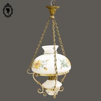 Lustre, plafonnier, lustre pendentif, lustre opaline, lustre rond, lustre vintage, lustre chic, plafond, lustre pour plafond, abat-jour, abat-jour blanc, abat-jour opaline, abat-jour opaline blanche, abat-jour boule, abat-jour rond, abat-jour fleuri, lustre blanc et doré, lustre laiton, lustre laiton doré, lustre doré, luminaire, luminaire vintage, luminaire ancien, luminaire vintage, luminaire pétrole, lampe à pétrola, lustre à pétrole, lustre chaine, plafonnier à pétrole, luminaire vintage, luminaire verre, plafond verre, lustre verre, plafonnier boule, plafonnier verre, plafonnier vintage, vintage chic, décoration vintage, décoration chic, luminaire rétro, luminaire kitch, lustre kitch, luminaire fleuri, suspension pétrole, suspension vintage, lustre fleur émaillée, globe blanc, globe émaillé, lustre type pétrole,