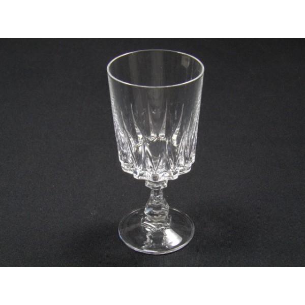 Srie De 9 Verres Vin Cristal DArques Modle Louvre