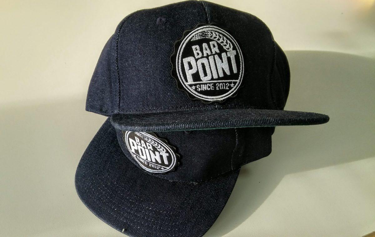 Бродерия върху шапки Bar POINT
