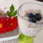 Pouding aux graines de chia, poires et essence de mélilot