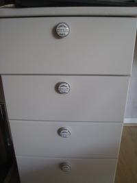 1er bureau peint boutons tiroirs