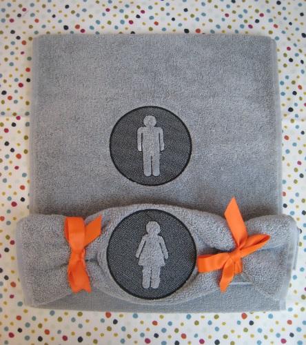 essuie main homme et femme embossage