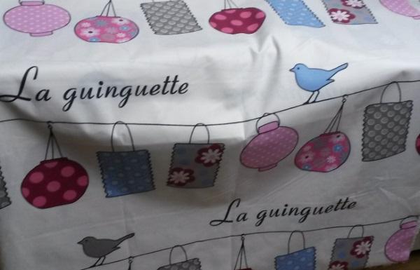 tissu pour rideaux sous lit haut