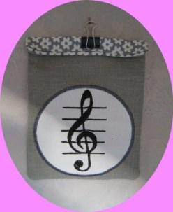 pochette pour badge musicienne