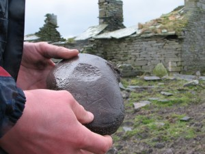 Stone Age object found at Helliehow, Sanday