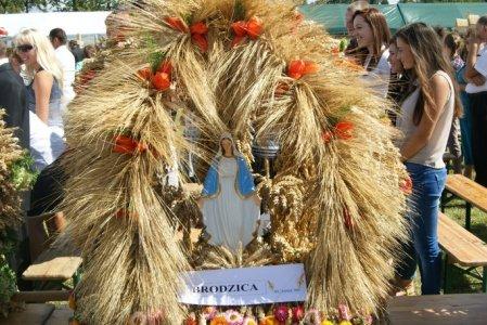 Dożynki Gminno-Parafialne 2013 w Nowosiółkach udział Brodzicy