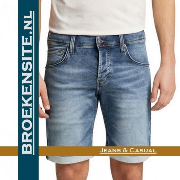 Mustang Chicago Short korte broek denim blue bermuda 1007755-5000-313 Broekensite jeans casual