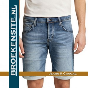 Mustang Chicago Short korte broek denim blue bermuda 1007755-5000-313 Broekensite jeans casual