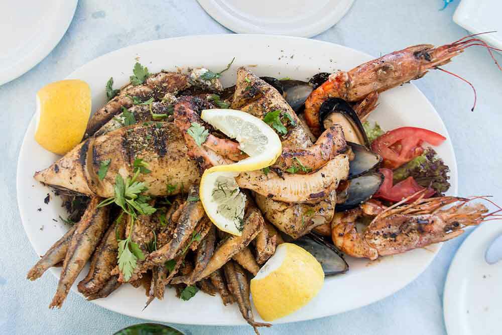Greek Food Grilled Seafood Platter Thalassina Sta Karvouna